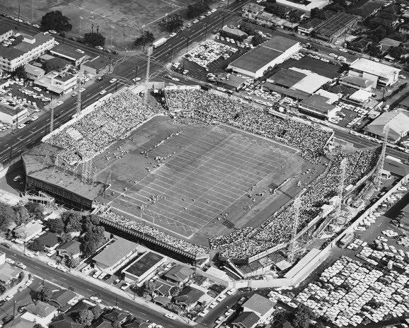Football-Honolulu-Stadium3.jpg